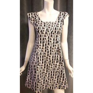 Karen Millen White & Black Short Sleeve Dress